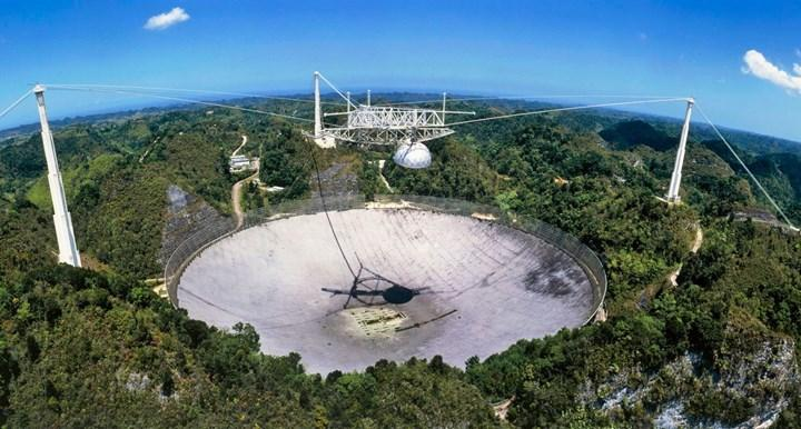 Çelik bir halat, dünyanın en büyük radyo teleskoplarından birinde ciddi hasara yol açtı