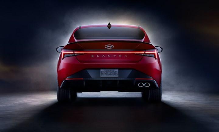 Hyundai Elantra N Line, 201 beygir gücü ve sportif tasarımıyla tanıtıldı