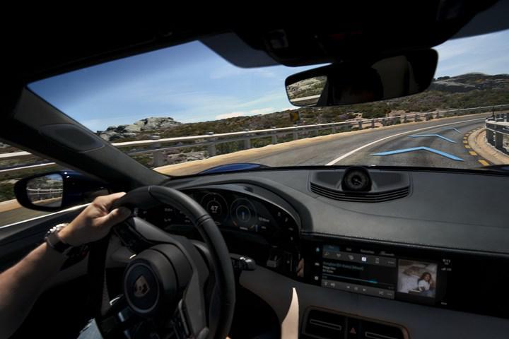 2021 Porsche Taycan bir dizi güncellemeyle geliyor