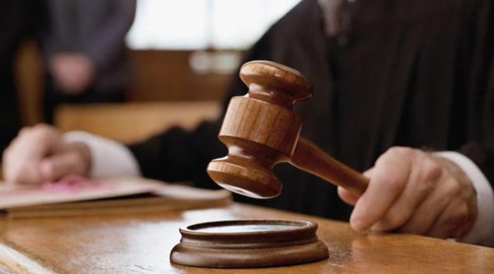 Florida'daki bir yargıç okulların açılması kararını bozdu