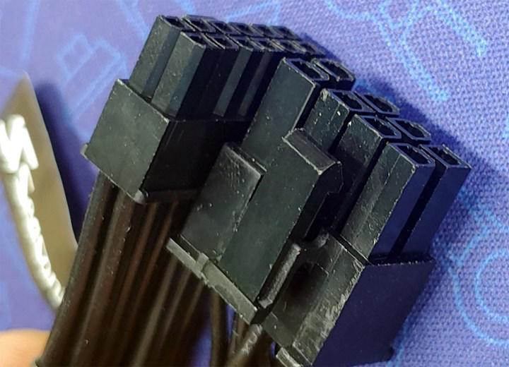 Nvidia'nın 12-pinlik güç konnektörü yakından görüntülendi