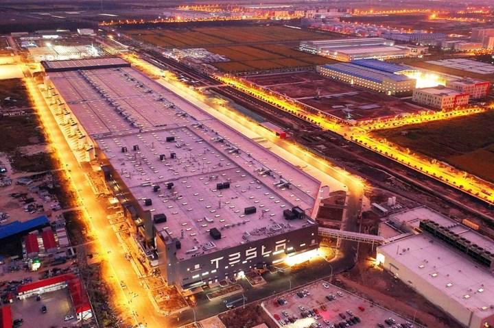 """Tesla, """"Uzay gemisi"""" diye adlandırılan Gigafactory Şangay'daki üretimi gösteren bir video yayınladı"""