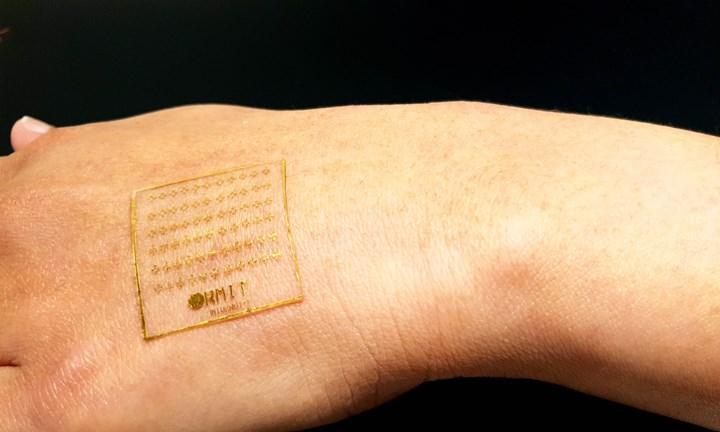 Acıya insan cildi gibi tepki verebilen elektronik cilt geliştirildi