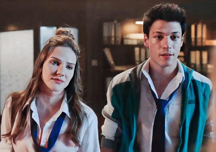 Netflix'in Aşk 101 dizisinin çekimlerinde iki oyuncuya koronavirüs bulaştı