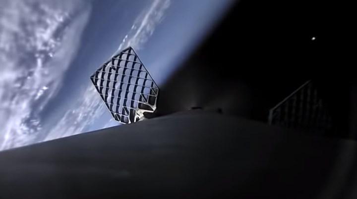 Uzaydan Dünya'ya dönüş: Falcon 9 roketinin kalkış ve iniş anlarından video