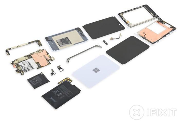 Microsoft Surface Duo incelemesi basit tasarımlı menteşeyi ortaya çıkardı