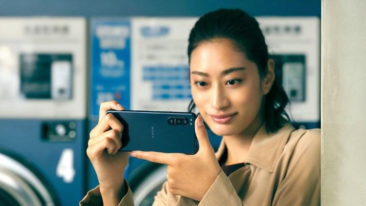 Sony'den büyük telefon sevmeyenlere kompakt boyutlu amiral gemisi: Xperia 5 II