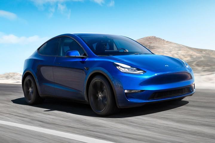Tesla, 2 bin dolar karşılığında elektrikli araçlarının hızlanma süresini kısaltıyor