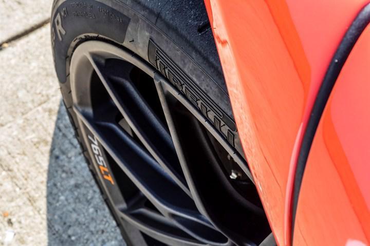 McLaren 765LT'nin Pirelli lastikleri Türkiye'de üretildi