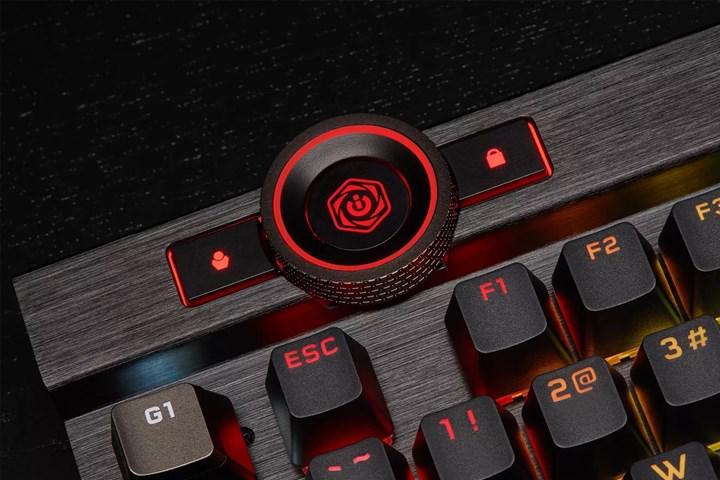 Corsair K100 oyuncu klavyesi kontrol tekerleği ile dikkat çekiyor