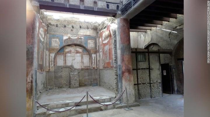 M.S. 79 yılında Vezüv patlamasında ölen adamın beyninde, sağlam hücreler bulundu