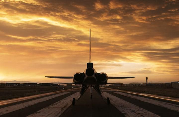 Sesten hızlı uçak yolculuğu bir kez daha çok yakın! Boom Supersonic, XB-1'i tanıttı
