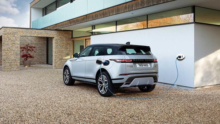 Range Rover Evoque'un şarj edilebilir hibrit seçeneği Türkiye'de