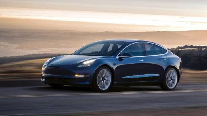 Tesla, Çin'de üretilen Model 3'leri Avrupa'ya ihraç etmeye başlıyor