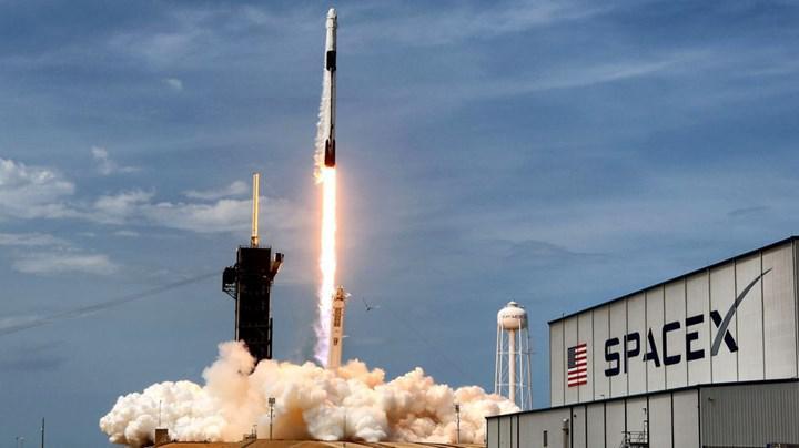 Elon Musk, Starlink'in Avrupa macerasının Şubat veya Mart ayında başlayabileceğini söyledi