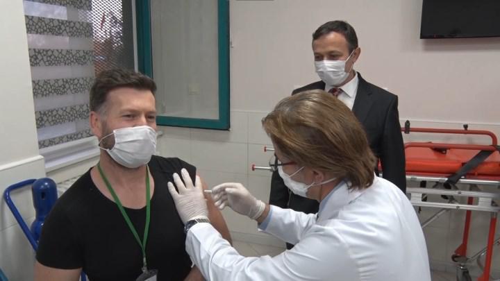 Yerli Covid-19 aşısının insanlı ilk denemelerine başlandı