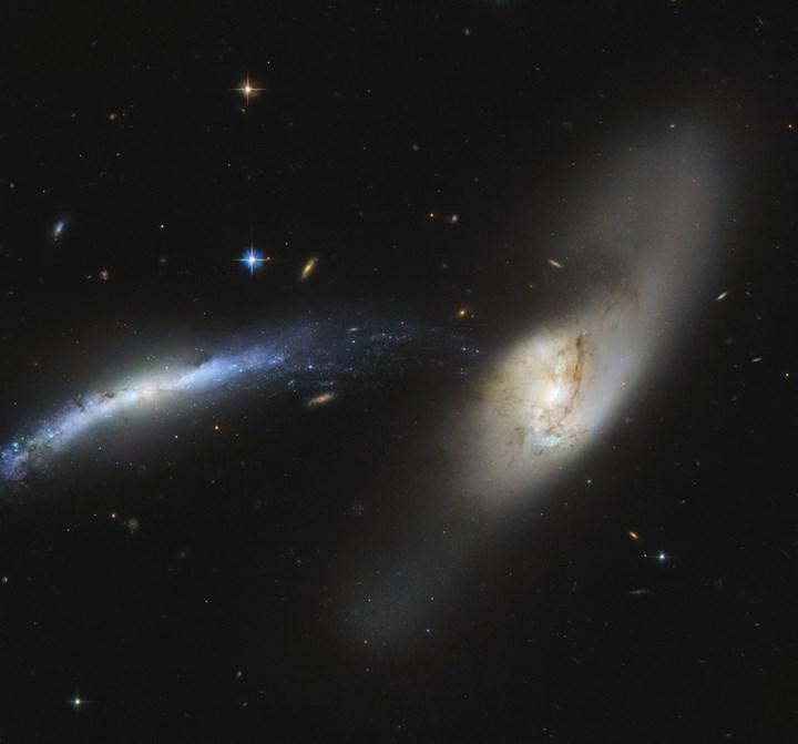 İki dev galaksinin 'çarpışma öncesi' son anları böyle görüntüledi