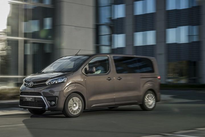 2021 Toyota Proace Verso Electric tanıtıldı