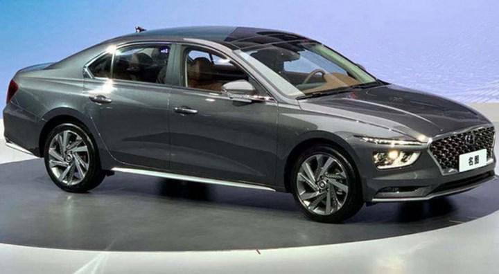 2021 Hyundai Mistra, yenilenen tasarımı ve elektrikli versiyonuyla sahnede