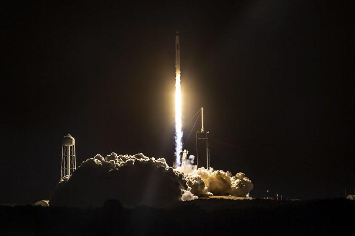 SpaceX, 100. Falcon 9 görevinde yeni bir rekor daha kırdı
