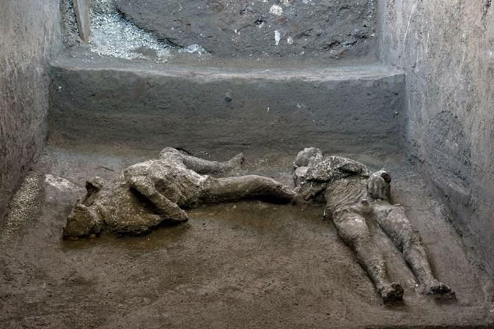 Arkeologlar Pompeii kalıntıları arasında iki ceset daha buldu