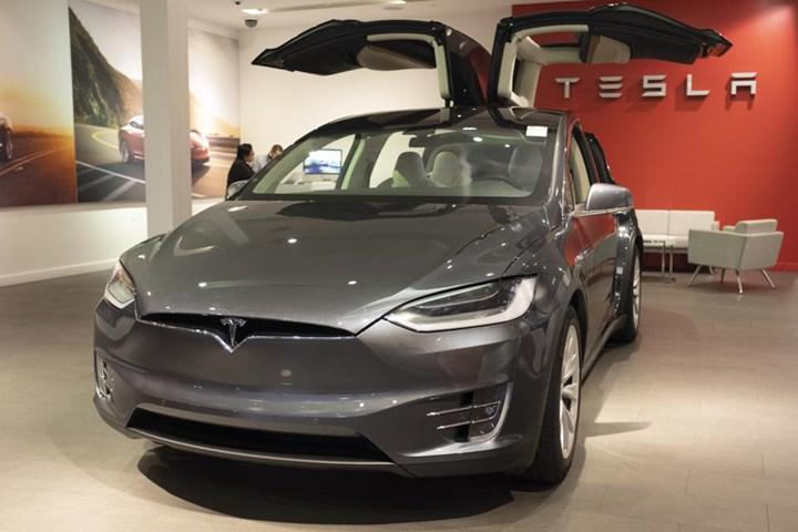 9500'den fazla Tesla Model X ve Y'de üretim hatası tespit edildi