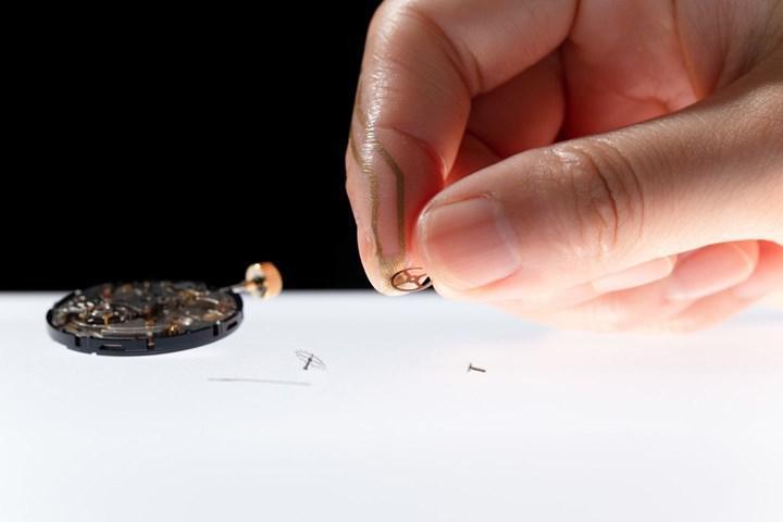 Küçük dokunuşları algılayabilen parmak sensörü geliştirildi