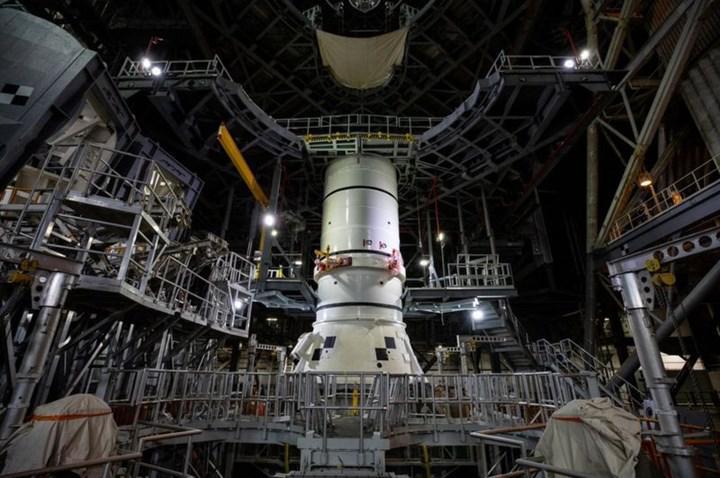 İnsanlığı Mars'a taşıyacak olan dev roketin inşaası başladı