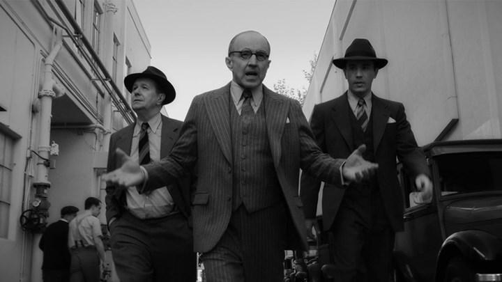 David Fincher'ın yönettiği, Gary Oldman'ın  başrolünde olduğu yeni Netflix filmi Mank yayınlandı