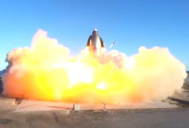 basarili bir sekilde goge yukselen starship prototipi inis yaptigi sirada infilak etti127698 1 - Başarılı bir şekilde göğe yükselen Starship prototipi, iniş yaptığı sırada infilak etti