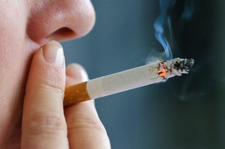 Tedaviye dirençli şizofreni tedavisinde kullanılan klozapinin tütün kullanımıyla ilişkisi incelendi