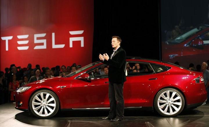 Elon Musk bir zamanlar Tesla'yı Apple'a teklif etmiş