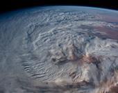 Kuzey Sahra Çölü üzerinde bulut sarmalı
