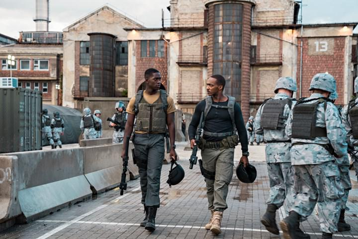 Netflix'in yeni aksiyon/bilim-kurgu filmi Outside the Wire'dan fragman