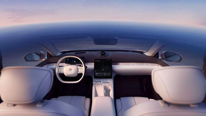 Çinli üretici NIO, ilk elektrikli sedan modeli ET7'yi tanıttı