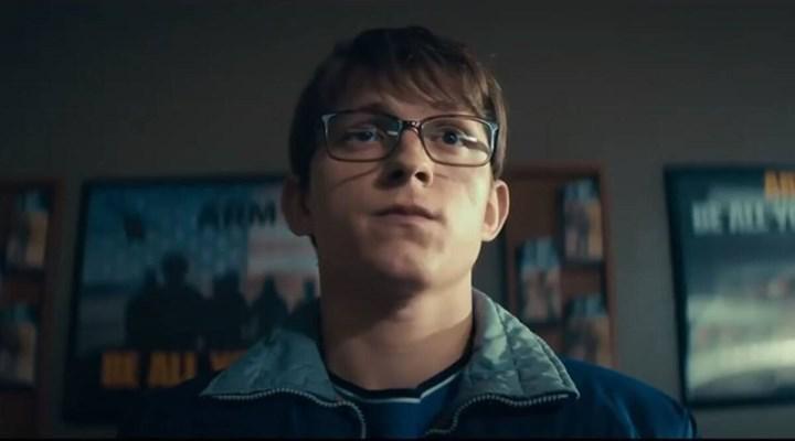 Oscar'a aday olması beklenen Tom Holland'lı film Cherry'den bir sahne paylaşıldı
