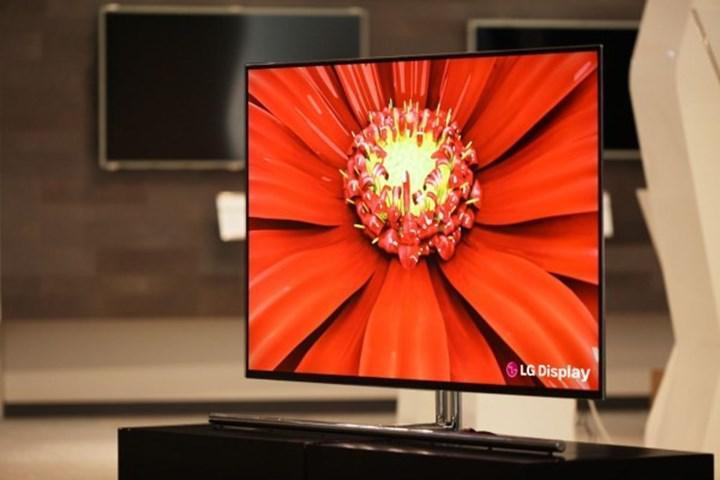 LG Display, 42'' boyuta sahip ilk OLED TV paneli duyurusunu yaptı