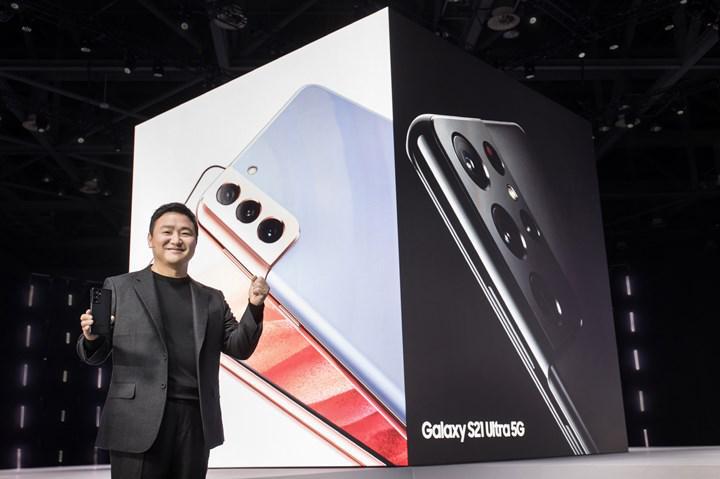 Samsung yeni telefonlarından şarj cihazı ve kulaklığı kademeli olarak kaldıracak
