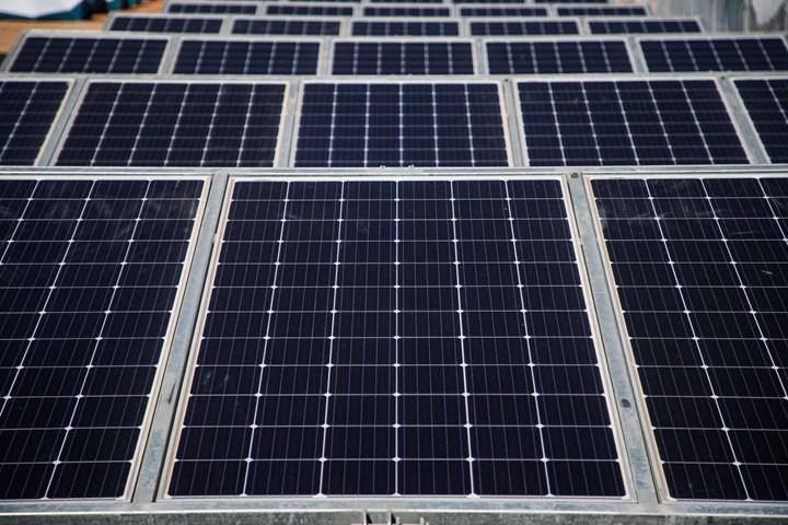 Fransız petrol devi Total, dünyanın en büyük fotovoltaik çözümleri üreticisine yatırım yaptı