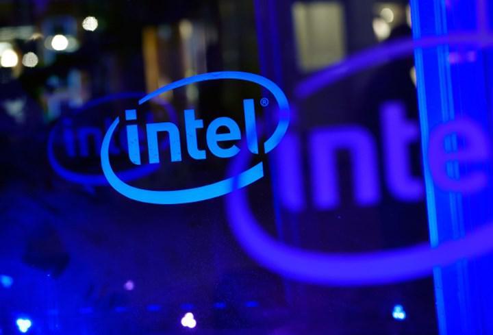 Intel dördüncü çeyrekte beklentileri aştı