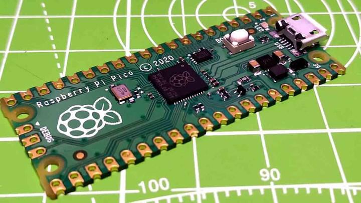 Raspberry Pi'den 4$'lık mikro kontrolcü