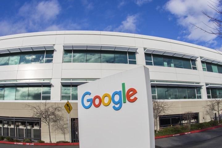 Google bazı ofislerini Covid-19 aşılama noktasına dönüştürüyor