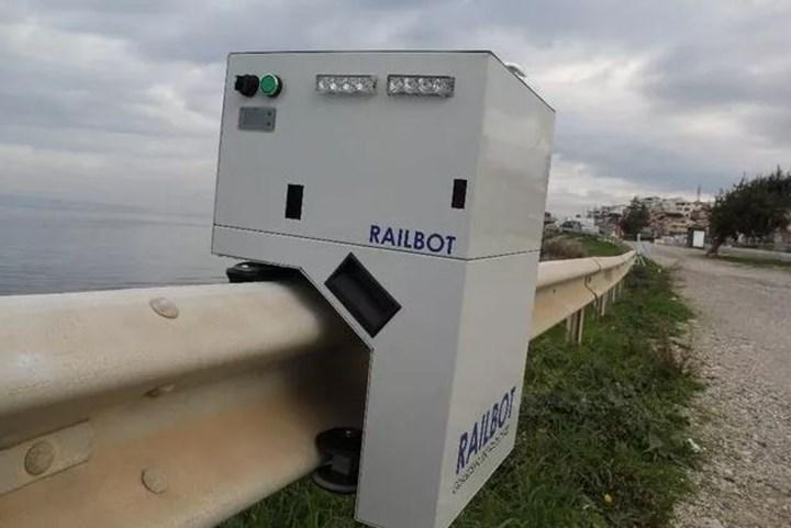 Türk girişimci, bariyerlerde gezerek trafik ihlallerini tespit edecek otonom robot tasarladı