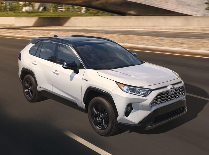 Toyota, küresel satışlarda Volkswagen'i geride bırakarak liderlik koltuğuna oturdu