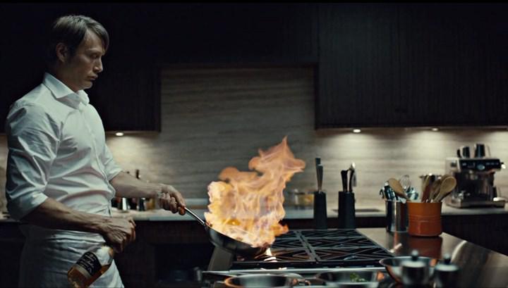 Mads Mikkelsen, Hannibal'ın yeni sezonunun yapılması için tartışmaların başladığını söylüyor