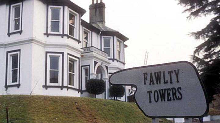 Haftalık Dizi Önerisi 11: Fawlty Towers