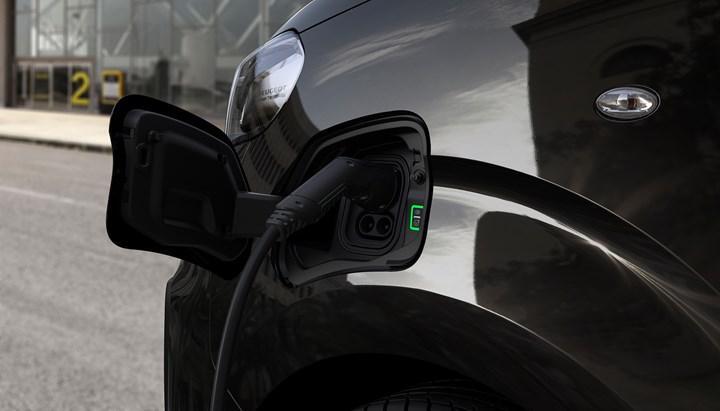 Elektrikli Peugeot e-Traveller'ın menzili yüzde 40 arttı