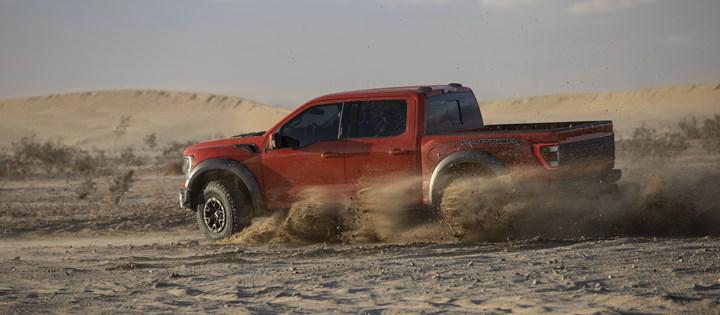 Arazi canavarı yenilendi: İşte yeni Ford F-150 Raptor