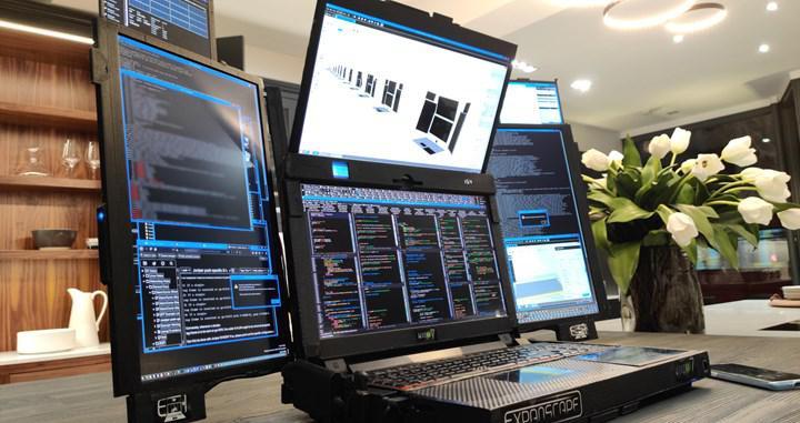 """Dünyanın ilk 7 ekranlı """"taşınabilir"""" iş istasyonu duyuruldu"""