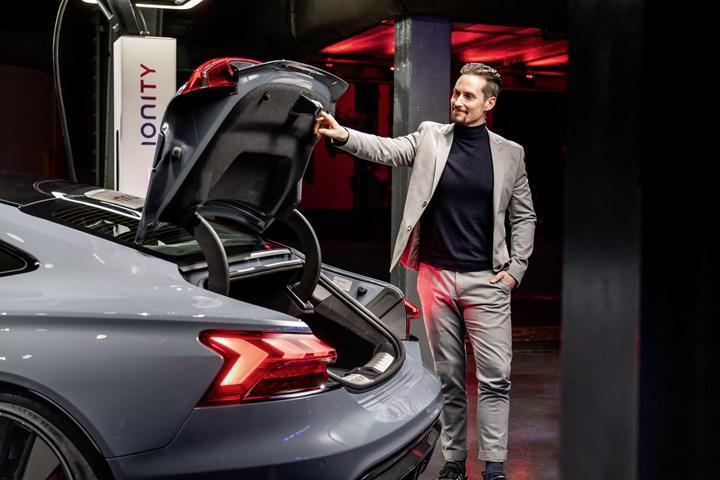 Elektrikli Audi e-tron GT, etkileyici tasarımı ve güçlü 'RS' versiyonuyla geldi